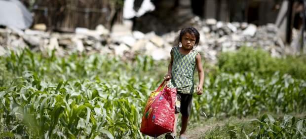Niñez de Nepal en alto riesgo de tráfico tras terremoto: Unicef